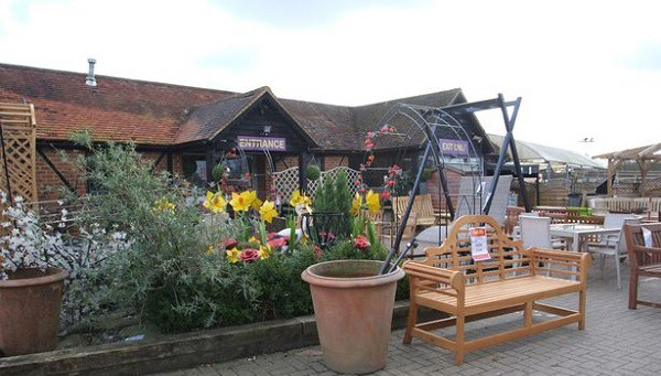Photo of Reigate Garden Centre will close by October so hundreds of new homes can be built
